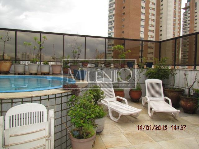 Cobertura de 4 dormitórios em Vila Andrade, São Paulo - SP