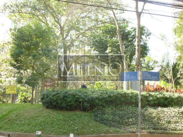 Apartamento de 3 dormitórios em Real Parque, São Paulo - SP