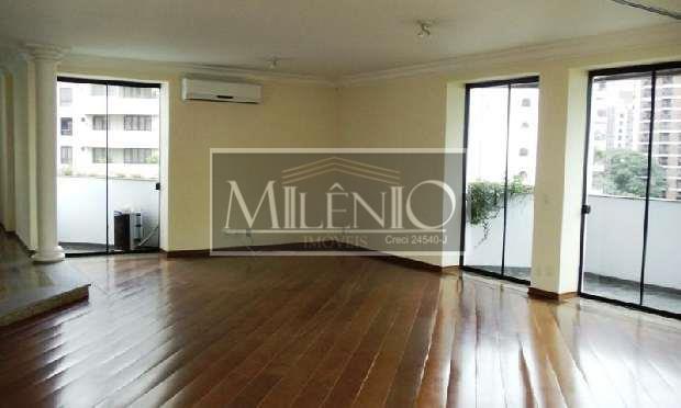Apartamento Duplex de 4 dormitórios em Vila Nova Conceição, São Paulo - SP