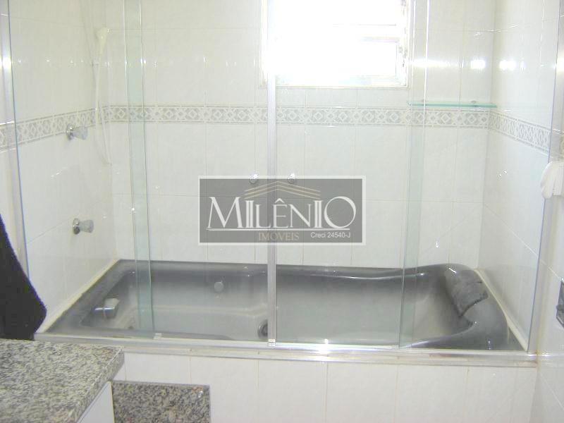 Casa de 4 dormitórios à venda em Vila São Paulo, São Paulo - SP