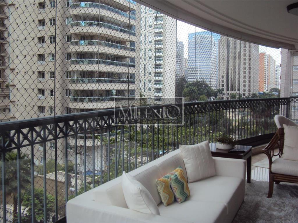 Apartamento de 4 dormitórios em Chácara Itaim, São Paulo - SP