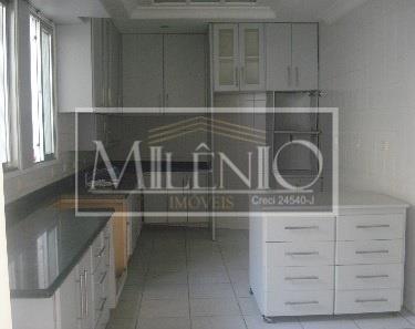 Casa de 5 dormitórios em Jardim Paulista, São Paulo - SP