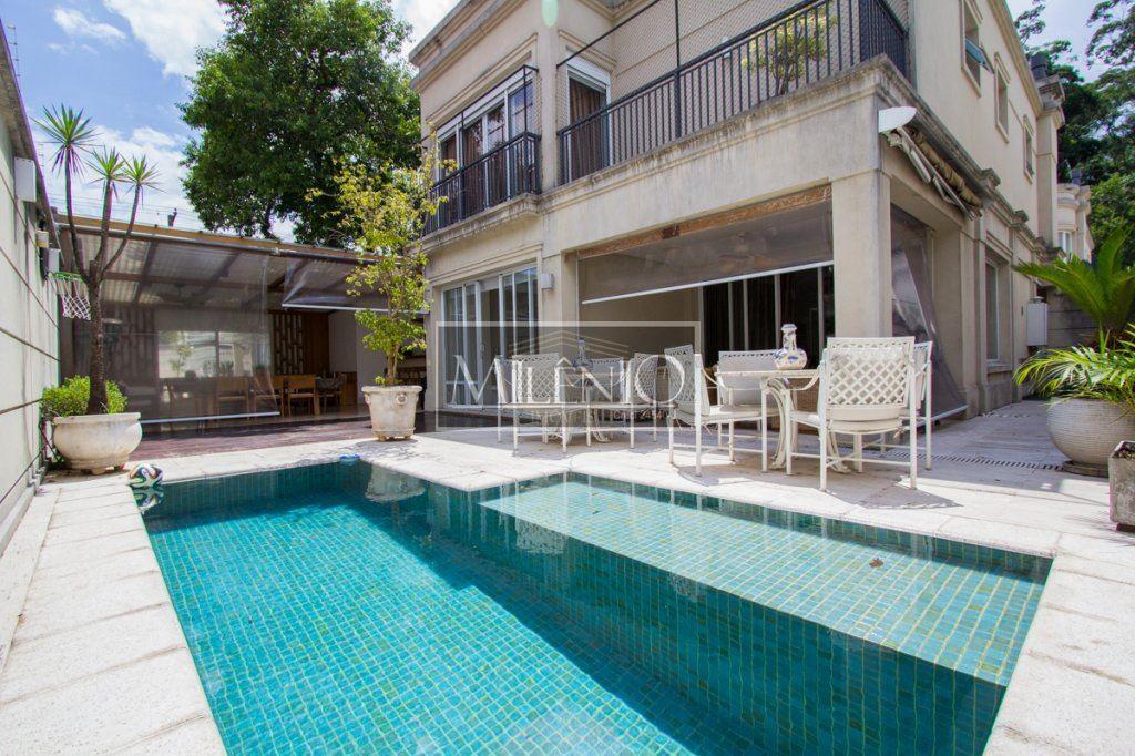 Casa de 5 dormitórios à venda em Jardim Luzitânia, São Paulo - SP