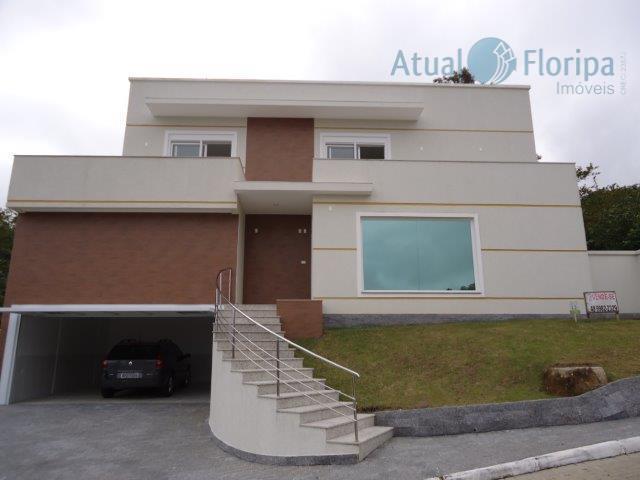 Linda casa em condomínio fechado próximo da UFSC!