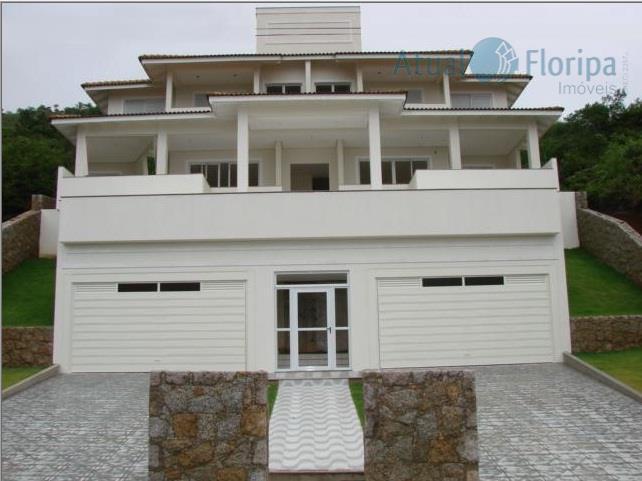 Linda casa com vista para o mar na Praia Brava!