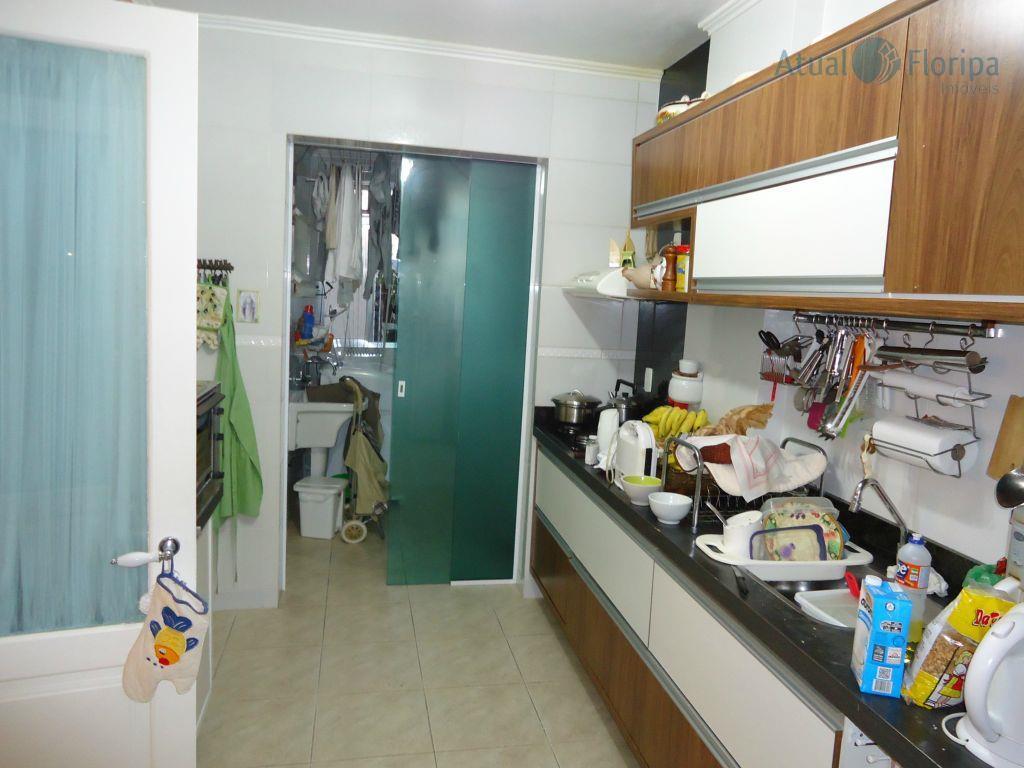 excelente apartamento próximo do lira tênis e da havan. 4 dormitórios (1 suíte), um dormitório transformado...