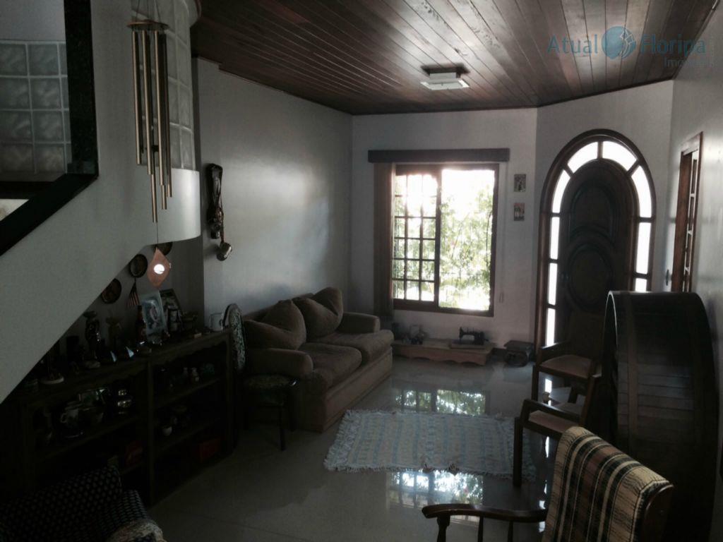 Casa 3 dormitórios (1 suíte) no Saco dos Limões