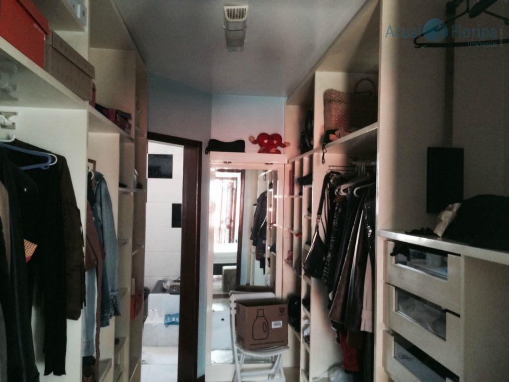 ótima casa com 3 dormitórios, sendo 1 suíte com closet, mezanino e sacada, sala de estar,...