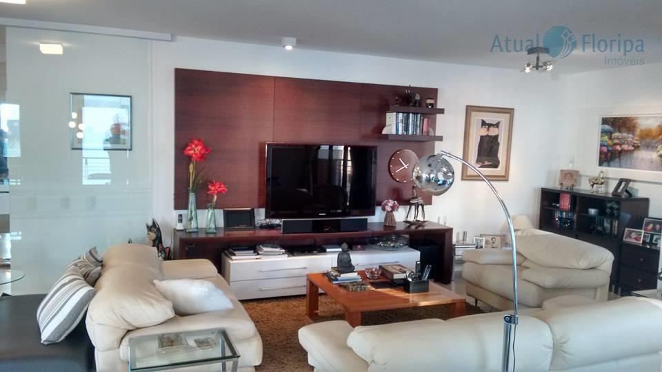 Apartamento residencial à venda, Centro, Florianópolis - AP0170.