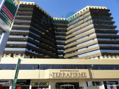 Sala comercial à venda, Barreiros, São José.