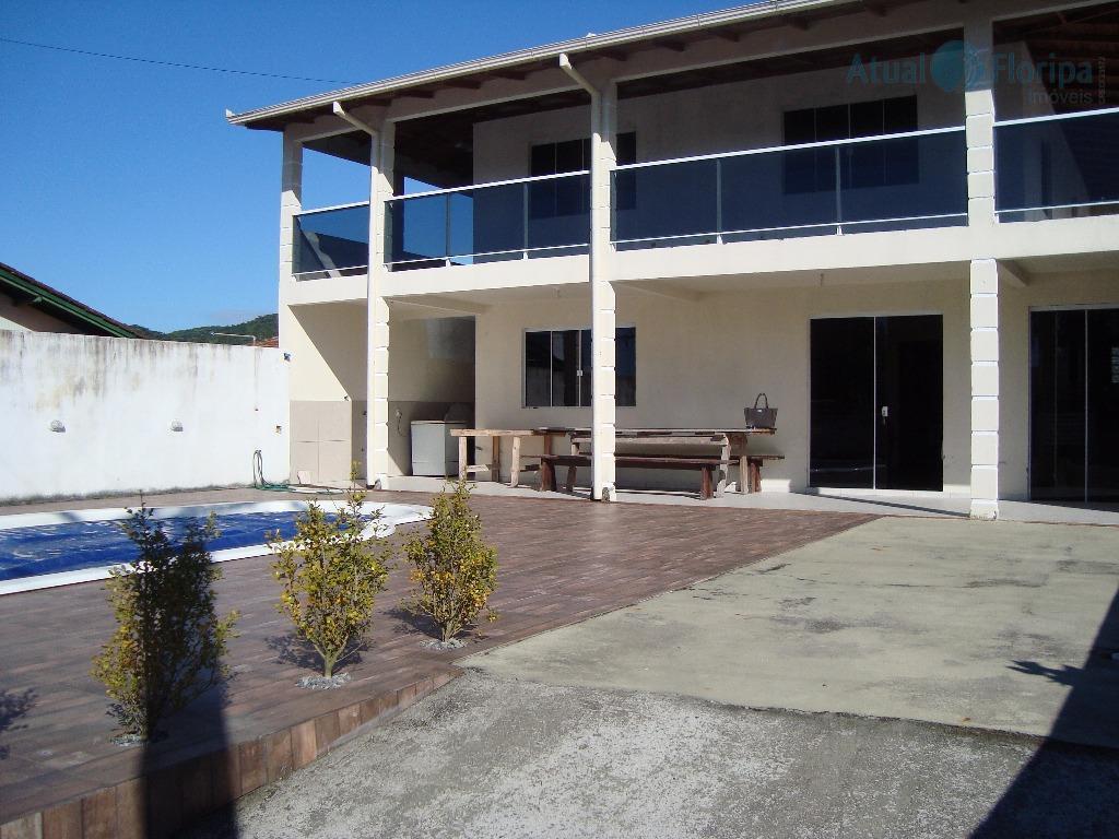 imperdível! maravilhosa casa á venda a 40 metros do mar. com 02 pavimentos, 05 dormitórios sendo...