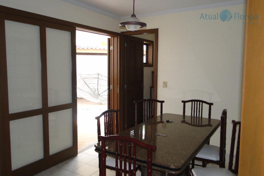 linda casa em sto amaro da imperatriz, com viabilidade comercial , excelente para clinica escritório e...