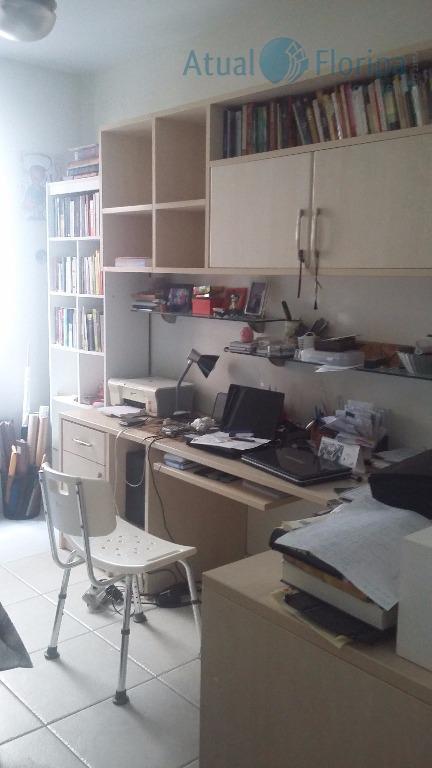 excelente apartamento! fica a poucos metros da ufsc. com 3 dormitórios (1 suíte com sacada), sala...