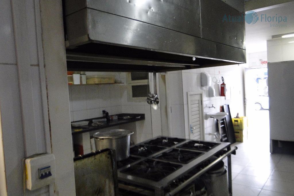 restaurante montado e equipado, em funcionamento há mais de 10 anos; clientes consolidados, ambiente aconchegante e...