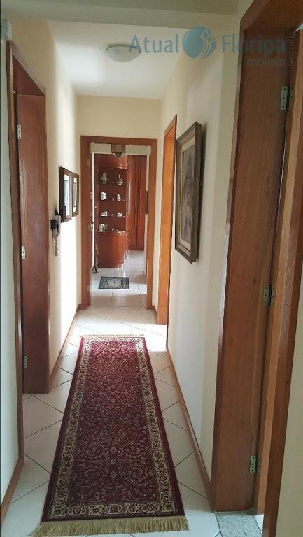 lindo apto um por andar, com 3 quartos sendo uma suite master, duas vagas de garagem,...