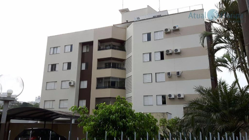 apartamento com 4 dormitórios, sendo uma suíte, banheiro social, sala de jantar e sala de estar...