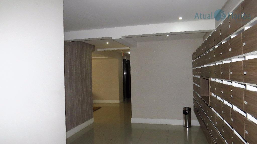 ótimo apartamento de 2 dormitórios, sendo uma suíte.conta com sala de estar e jantar integradas, cozinha...