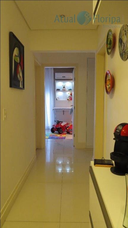 lindíssima cobertura no itacorubi.conta com 3 dormitórios, sendo um deles uma suíte.lindo living e belo e...