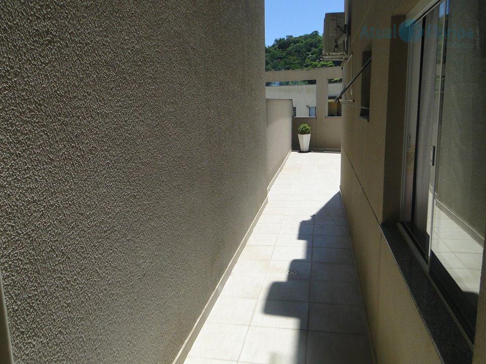 ótimo localização, em frente ao supermercado koch. o imóvel possui um amplo terraço, semi mobiliado, com...