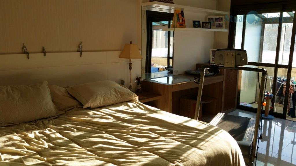 ampla cobertura , com vista livre, piscina aquecida, 4 quartos sendo uma suite, ambiente climatizado, 3...