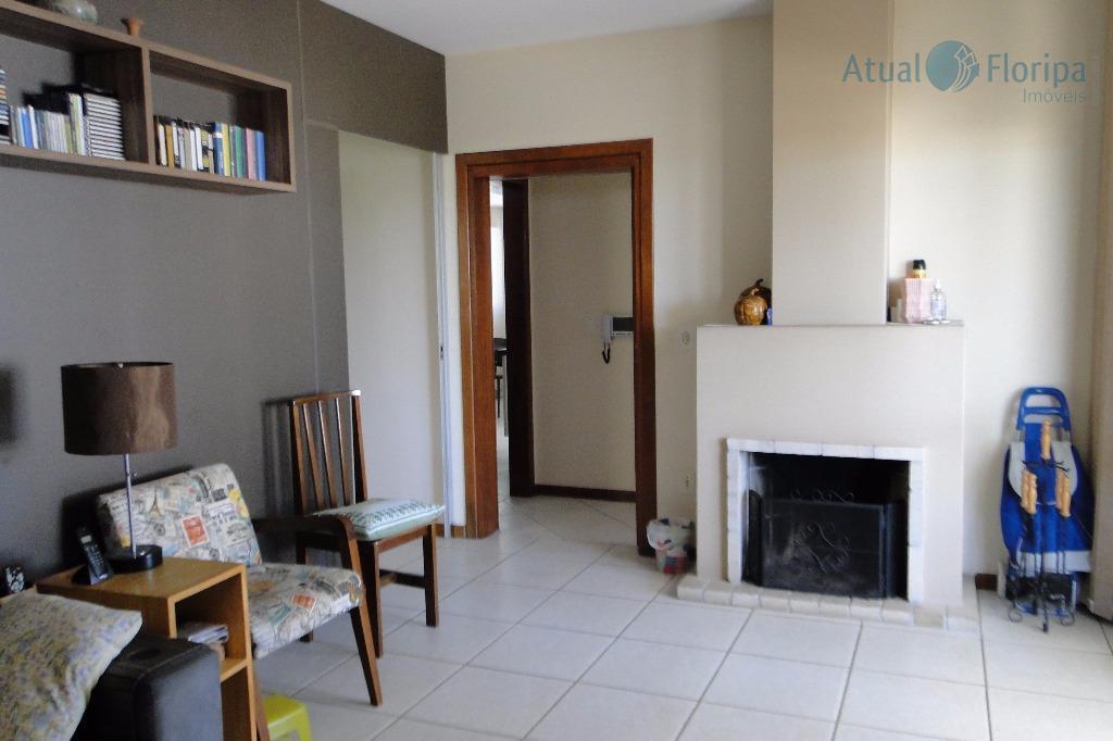 casa no jardim itália, com 2 pavimentos, com 4 dormitórios sendo 2 suítes, 2 sacadas, 3...