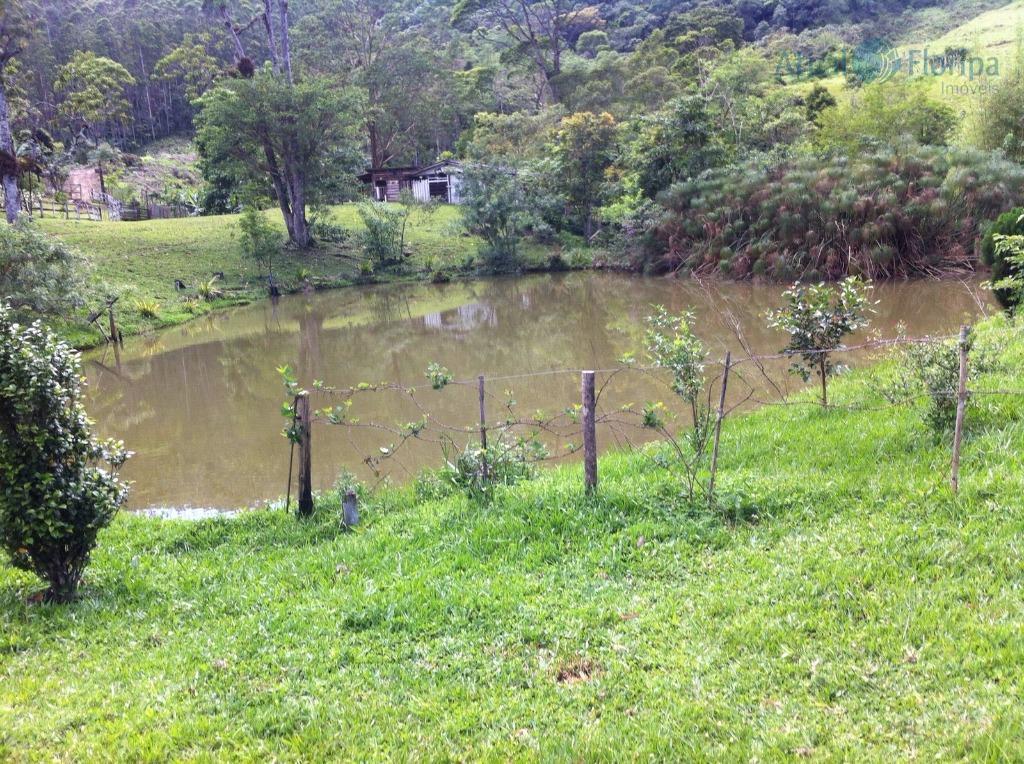 lindo sitio localizado em sorocaba de dentro,município de biguaçu.50.000 m casa entorno de 105 m .bananal,pomar,açude...