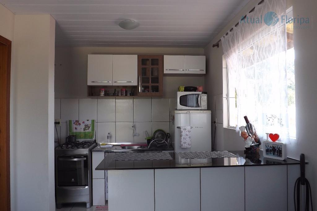 oportunidade de investimento! prédio de 400m2, com 11 apartamentos contendo sala e cozinha conjugados e quarto...