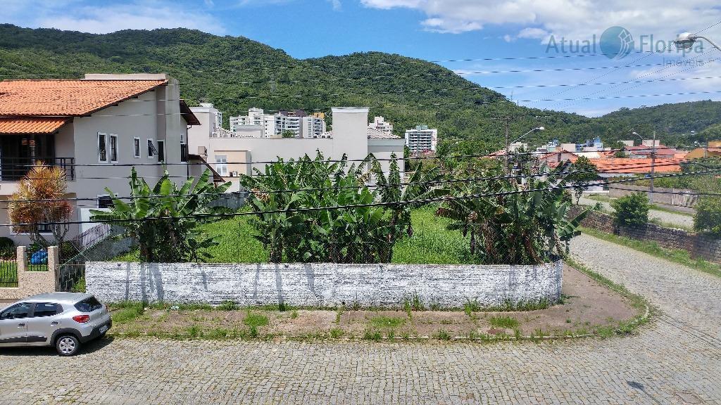 morar num bairro tranquilo, cercado de comodidades, próximo à udesc, em direção à lagoa da conceição...