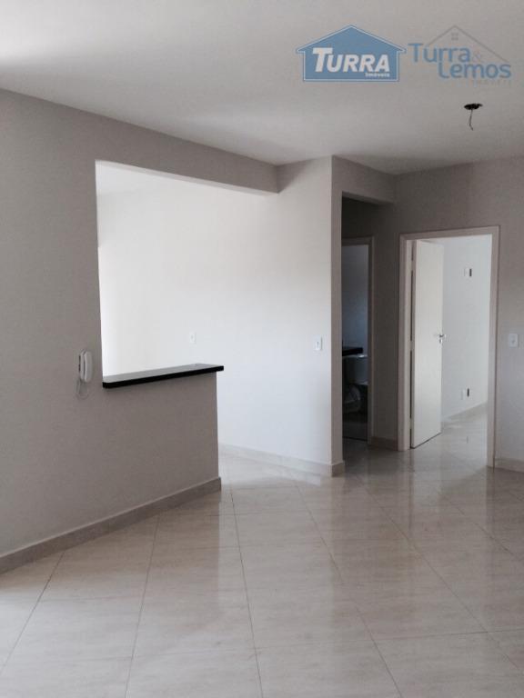 Apartamento residencial à venda, Buarque Residencial, Atibaia - AP0136.