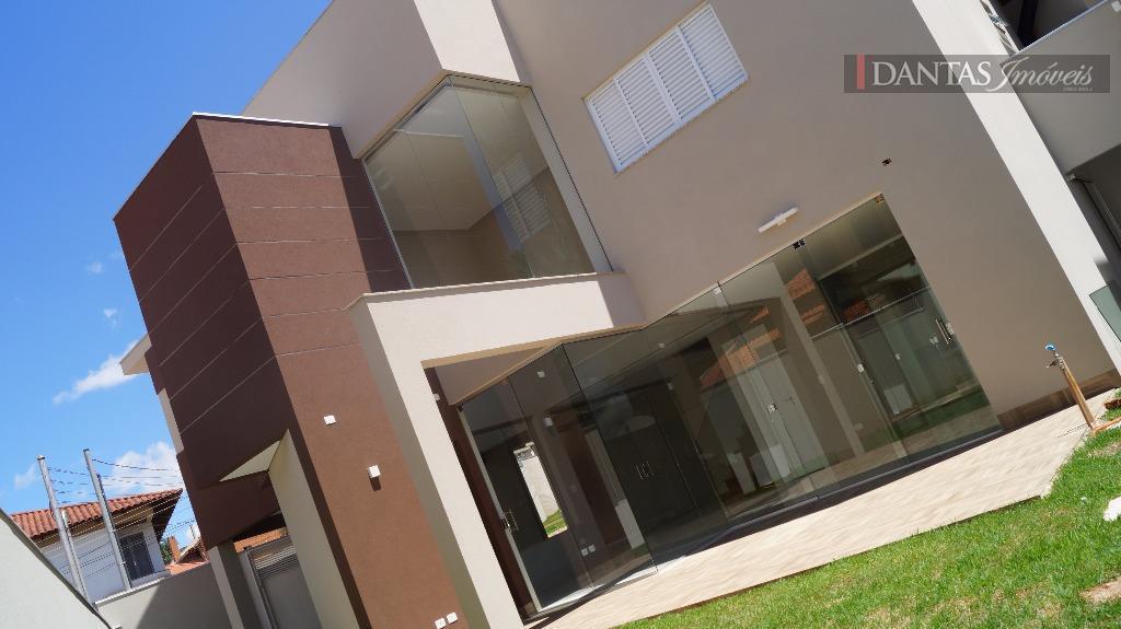 Sobrado residencial à venda, Santa Fé, Campo Grande.