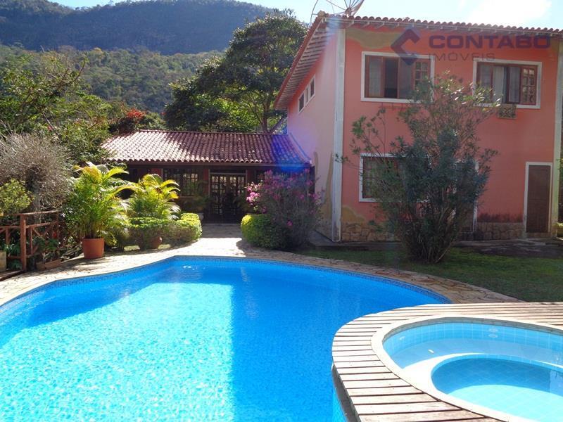 Excelente casa com acesso pela BR040 - Pedro do Rio