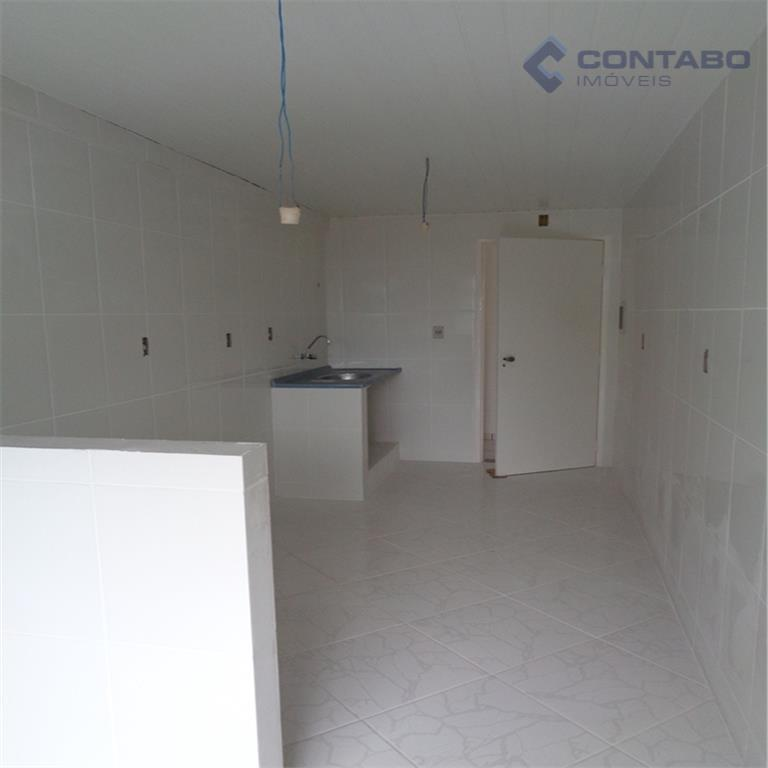 apartamentos localizados próximo ao hotel quitandinha, em rua tranquila, compostos por 02 quartos, sala, banheiro, cozinha,...