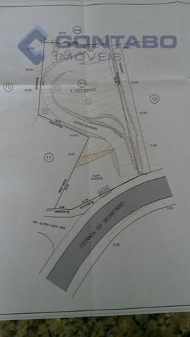 terreno com 1.107,56m², em beira de rua, com excelente localização em secretário.excelente investimento para fins comerciais.
