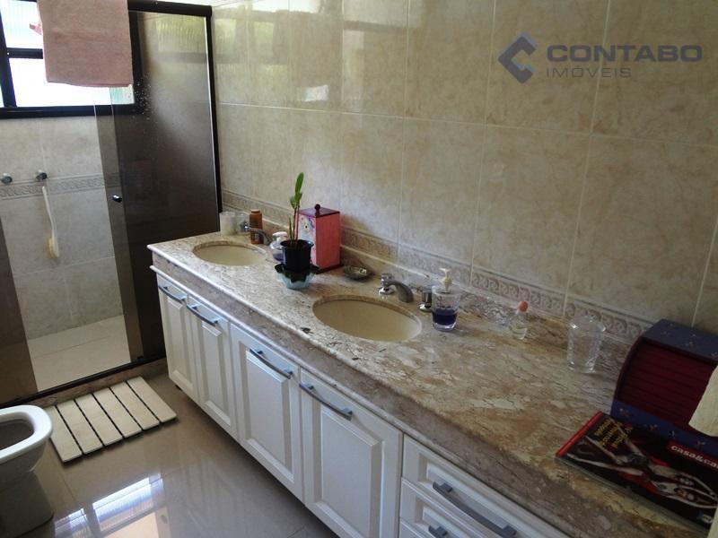 04 quartos 02 suites salão com lareir a com 80 m² - piso de tabúa corrida....