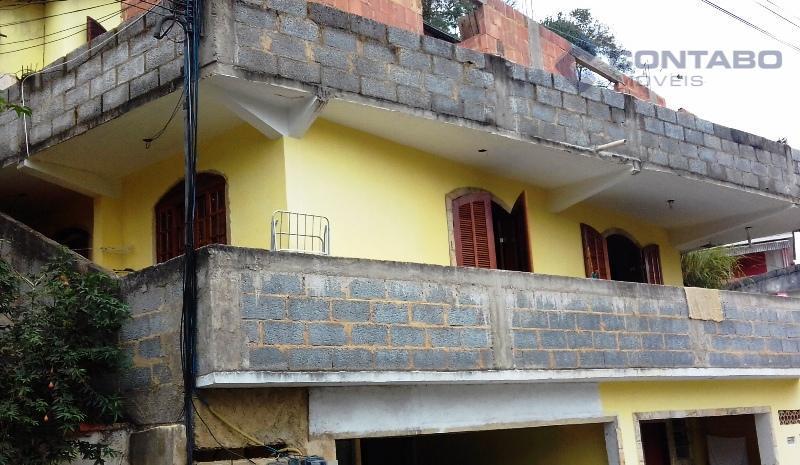 02 casas: 1 composta de: no térreo 01 anexo com quarto e banheiro, 01 kitinet (...