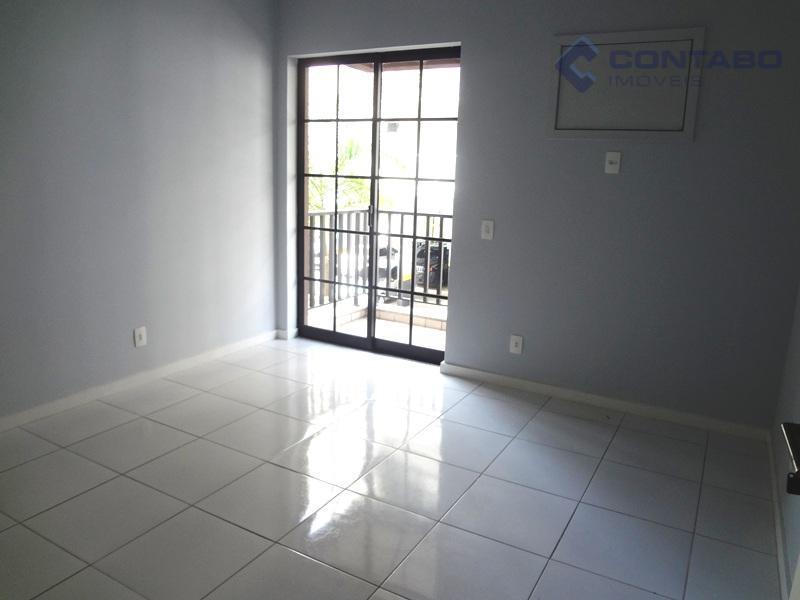 03 quartos sendo 01 suíte todo com varanda, ampla sala, banheiro social, ótima cozinha. dependência de...