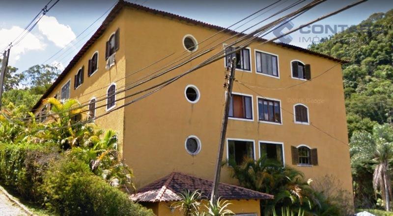 02 quartos, sala.cozinha, área de serviço, banheiro e uma vaga para carro. local residencial a 2...