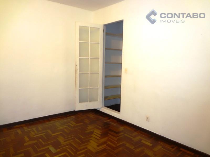 composto de 02 quartos, ótima sala, cozinha, banheiro e área de serviço. cômodos amplos. centro de...