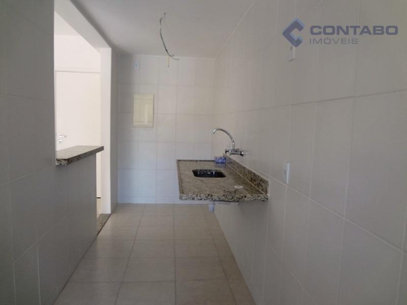 apartamento em excelente condomínio a minutos do centro de itaipava com fácil acesso de chegada pela...