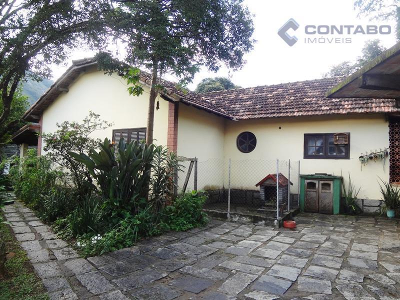 propriedade com 03 residencias em área total de 7.000 m².casa 01 04 quartos sendo 01 suíte,...