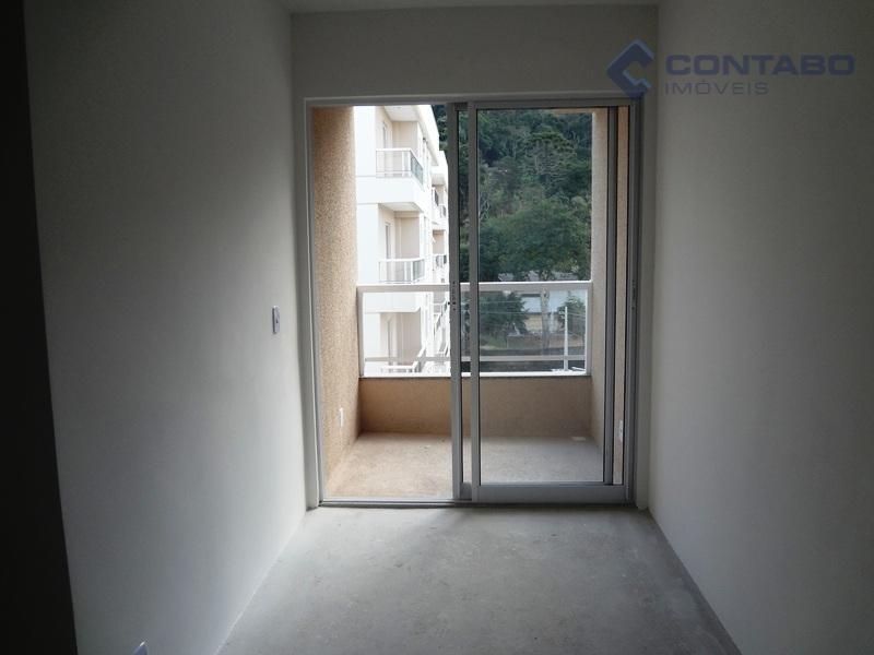apartamento com 2 quartos, sala, 02 varandas, cozinha e área de serviço. 01 vaga de estacionamento....