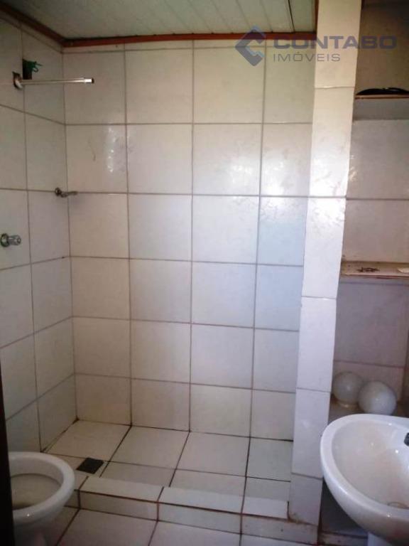 02 quartos sendo 01 suíte, sala, cozinha, banheiro social, varanda com churrasqueira, área de serviço e...