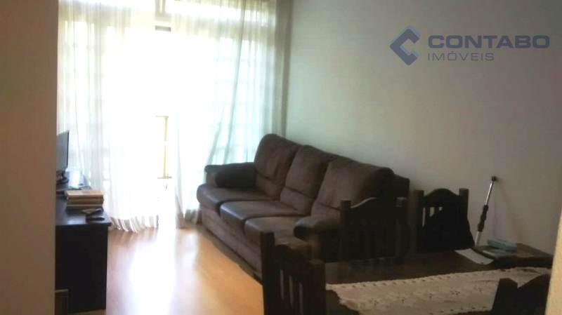 excelente apartamento em ótimo condomínio. minutos do centro de itaipava com acesso fácil pela br 040....