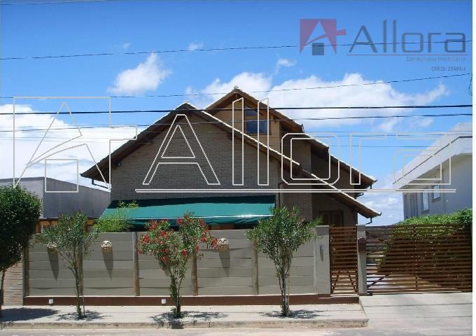 Residência assobradada à venda, Lagos de Santa Helena, Bragança Paulista.