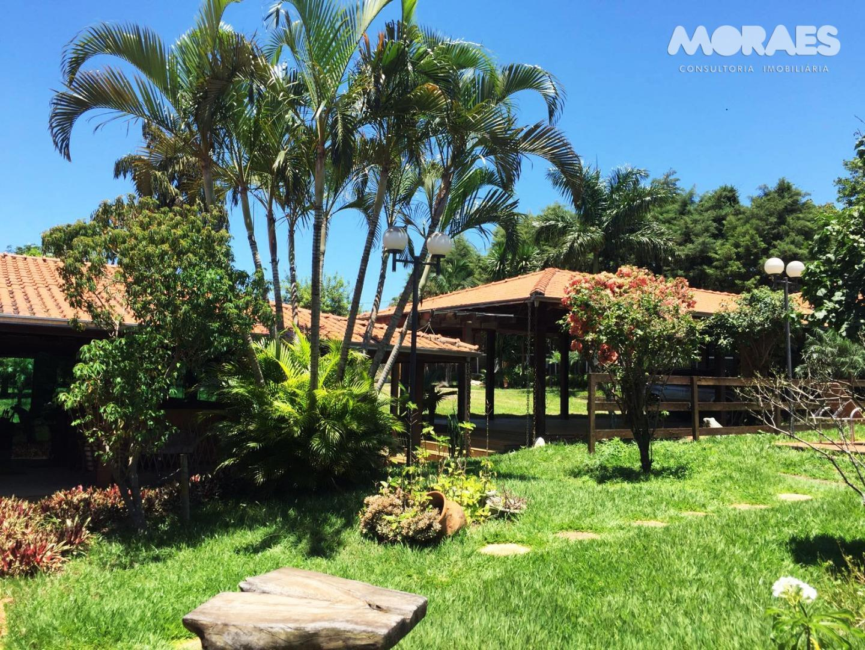Casa à venda, Condomínio Fechado, Jardim Shangri-Lá, Bauru.