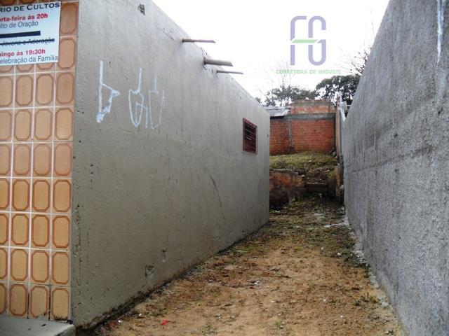 terreno com ampla sala comercial, 2 banheiros, instalação elétrica trifásica, amplo terreno. área construída averbada na...