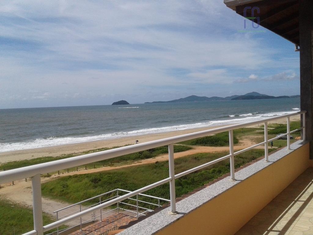 Frente para o Mar-Sobrado residencial à venda, Itacolomi, Balneário Piçarras.
