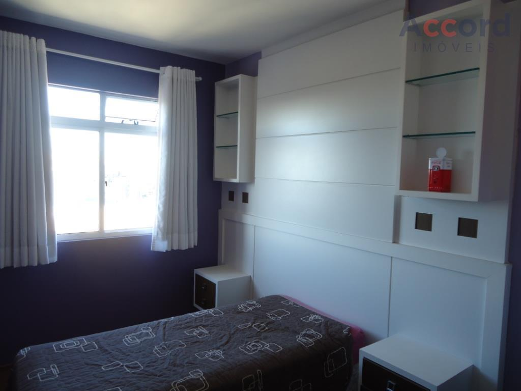 apto localizado no bairro portão, dois dormitórios, contendo painel com cabeceira, uma rack, sendo o outro...