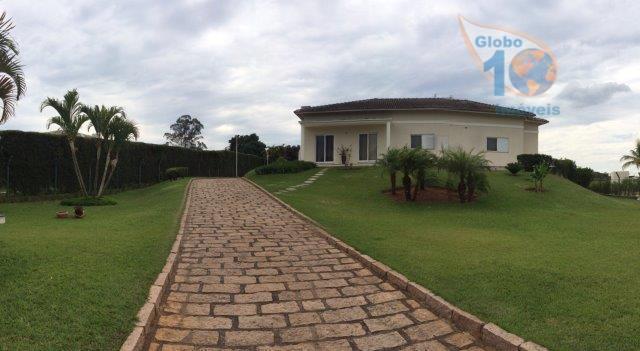 Casa Térrea no Cond. City Castello