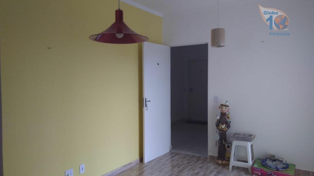 apartamento para locação no condomínio brisas do parque2 dormitórios ( sem modulados)sala com painel e sacadacozinha...